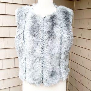 Rachel Roy Grey Faux Fur Zip Vest Medium